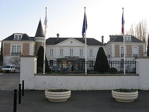 Roissy-en-Brie - The town hall of Roissy-en-Brie