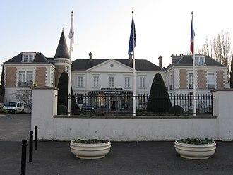 Roissy-en-Brie - The town hall of Roissy-en-Brie