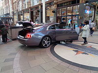 Rolls-Royce Wraith, Victoria Quarter, Leeds (11th August 2015) 001.JPG