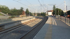 Romashkovo railway platform (view to south from west platform 2).JPG