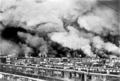 Rotterdam staat in brand na het beruchte bombardement van 11 mei 1940.png