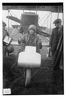 Ruth Law Oliver american aviation pioneer