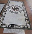 S. croce, tomba sul pavimento 99.01 de silvestri.JPG