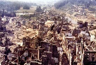 Battle of Saint-Lô - Image: Saint Lo 1944 Capitale des Ruines couleurs