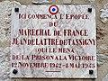 Saint-Pons-de-Thomières (Hérault) Plaque Jean de lattre de Tassigny.jpg