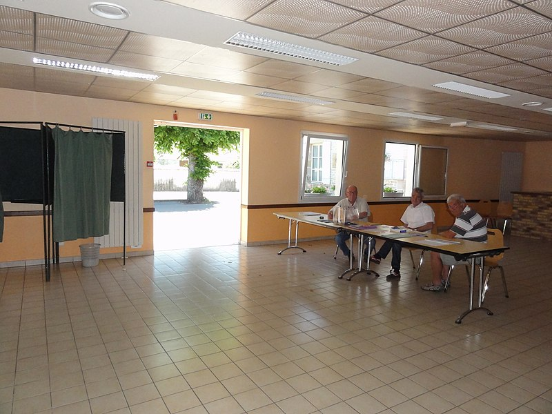 Saucourt, salle communale du marais de Saucourt, salle de vote, législatives 18 juin 2017