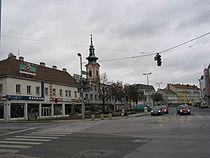 SchwechatHauptplatz041107w.jpg