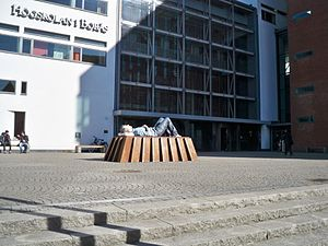 University of Borås - The sculpture Catafalque (2003) by Sean Henry outside the university library building.