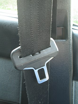 Seat belt - A seat belt and buckle