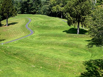 English: Serpent mound - a Native American bur...