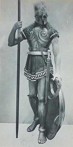 Polis-Griegas 250px-Spartan_hoplite-1_from_Vinkhuijzen