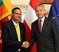 Staatssekretär Lopatka trifft den Außenminister von Sri Lanka, Prof. G.L. PEIRIS (9015721498).jpg