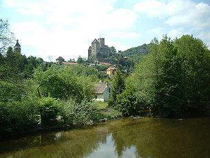 Stadt Hardegg mit der Burg Hardegg, von der Brücke über die Thaya aus gesehen