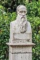 Statue of Benvenuto Cellini.jpg
