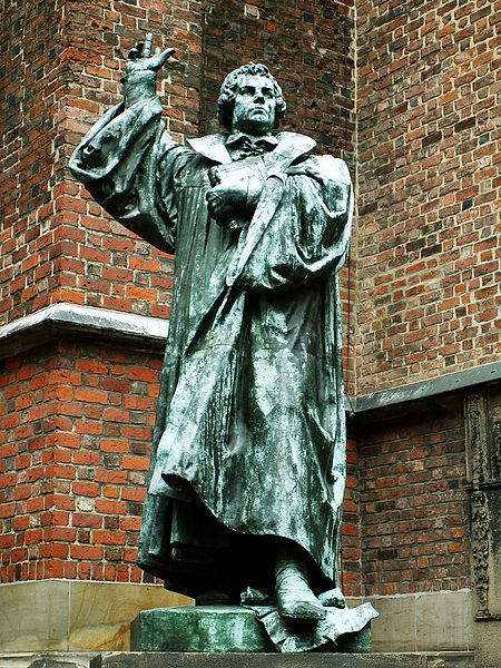 File:Statue of Martin Luther in Hannover.jpg