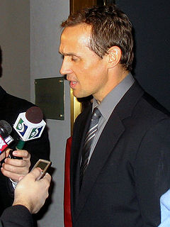 Steve Yzerman (Michigan Hall).jpg