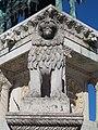 Stone lion at the Statue of Stephen I (1906) in Várkerület, 2016 Budapest.jpg