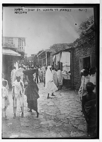Harar - A scene on the road to the market in Harar, dating between 1900-1920.