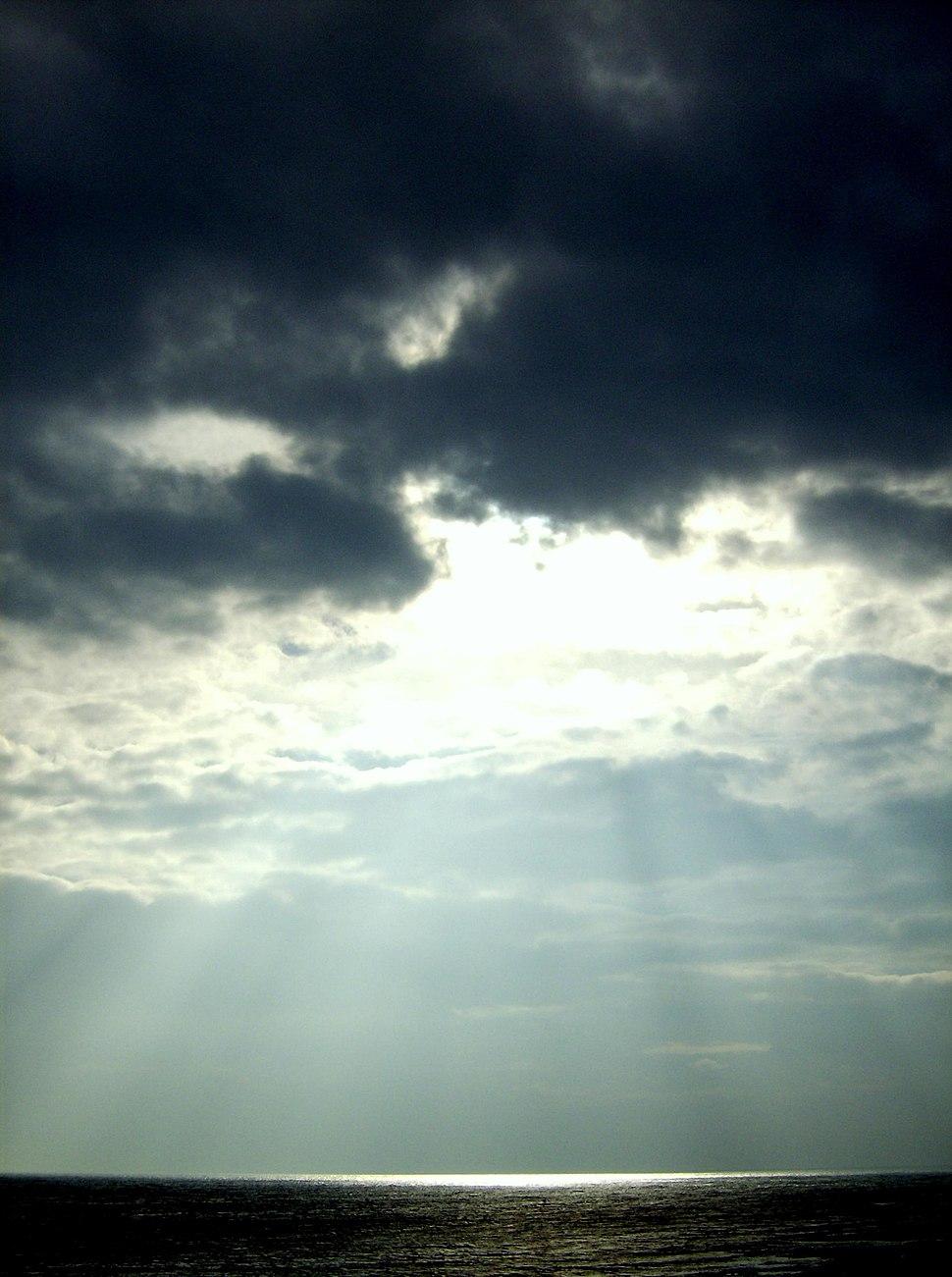 Sunshine at Dunstanburgh
