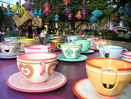 Mad Tea Party in het Disneyland Park Anaheim