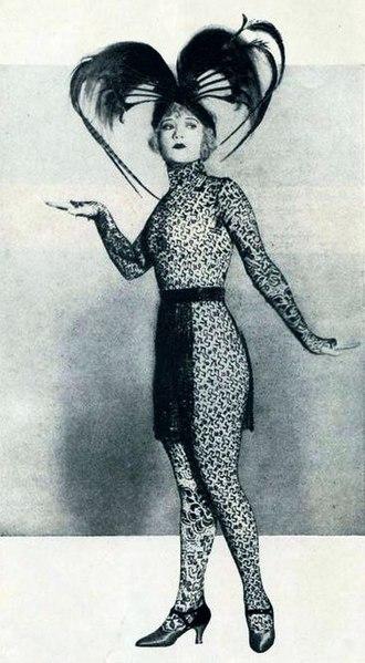 Film Fun - Image: The Green Temptation (1922) Compson 1