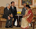 The Leader of Opposition in Lok Sabha, Smt. Sushma Swaraj meeting the Emperor of Japan, His Majesty Akihito, in New Delhi on December 03, 2013.jpg