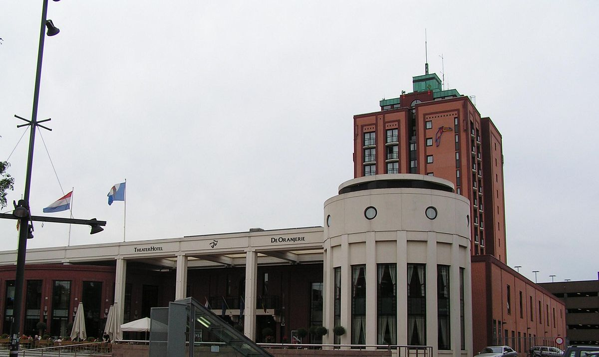 Ervaringen Uniek Keukens Roermond : TheaterHotel De Oranjerie Wikipedia