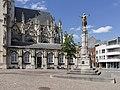 Tienen, oorlogsmonument bij de parochiekerk Onze-Lieve-Vrouw-ten-Poel foto4 2015-06-09 15.16.jpg