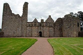 Tolquhon Castle - Image: Tolquhon Castle, front and entrance