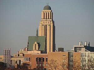 Côte-des-Neiges–Notre-Dame-de-Grâce - The Roger-Gaudry pavilion of the Université de Montréal.