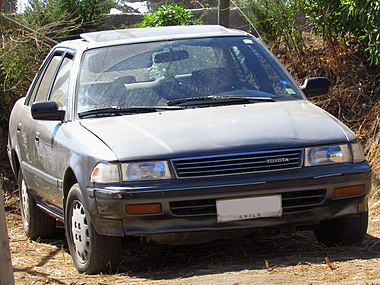 Toyota Corona 2.0 XL 1990 (15606723123).jpg