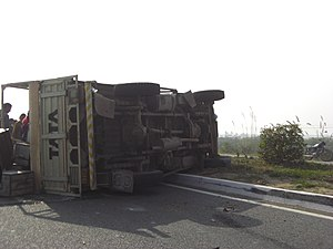 English: Truck accident in December 2009 near ...