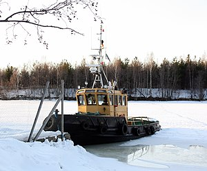 Tugboat Hollihaka Oulu 20110331.JPG