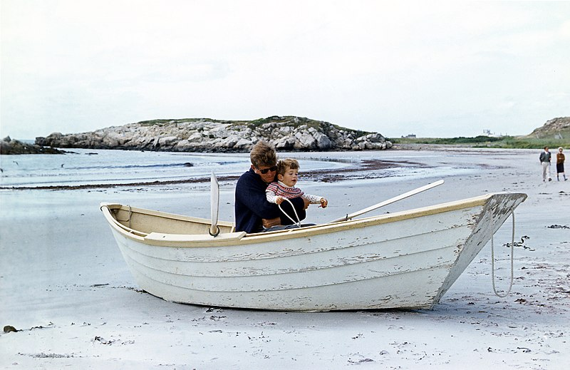 File:Two JFKs in beached rowboat, 1963.jpg DescriptionWeekend at Newport. President Kennedy, John F. Kennedy, Jr., in beached rowboat. Newport, RI, Bailey's Beach. Date15 September 1963 SourceRobert Knudsen White House Photographs AuthorRobert Knudsen Permission (Reusing this file)unrestricted Other versionsNARA