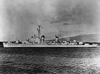 USS Carpenter (DD-825) - USS Carpenter (DDE-825) in her original configuration, 1953.