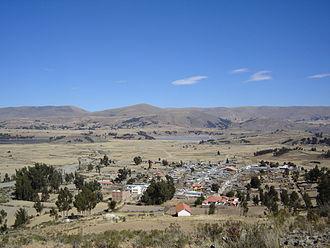 Arani Province - Image: Una vista de Vacas y sus lagunas