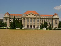 University debrecen main building.jpg