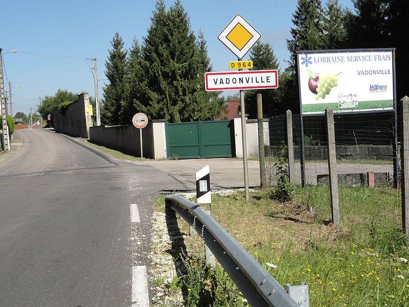 Vadonville (Meuse) city limit sign