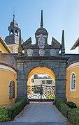 Velden Seecorso 10 Schlosshotel Rustikaportal N-Ansicht 21102019 7301.jpg