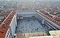 Venezia Blick vom Campanile der Basilica di San Marco auf die Piazza San Marco 1.jpg