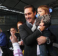 Vienna 2010-10-01 - Hannovermarkt - HC Strache posing with ab baby, in favour of his mom. 065.jpg