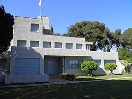 Villa Noailles (Hyères) (1).jpg