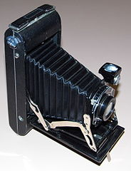 Vintage Kodak Junior Six-16 Series II (616) Film Camera, Made In USA, Circa 1932 - 1936 (13386042625).jpg
