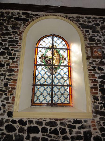 Vitrail de Saint Sylvestre dans l'église de Marbaix.