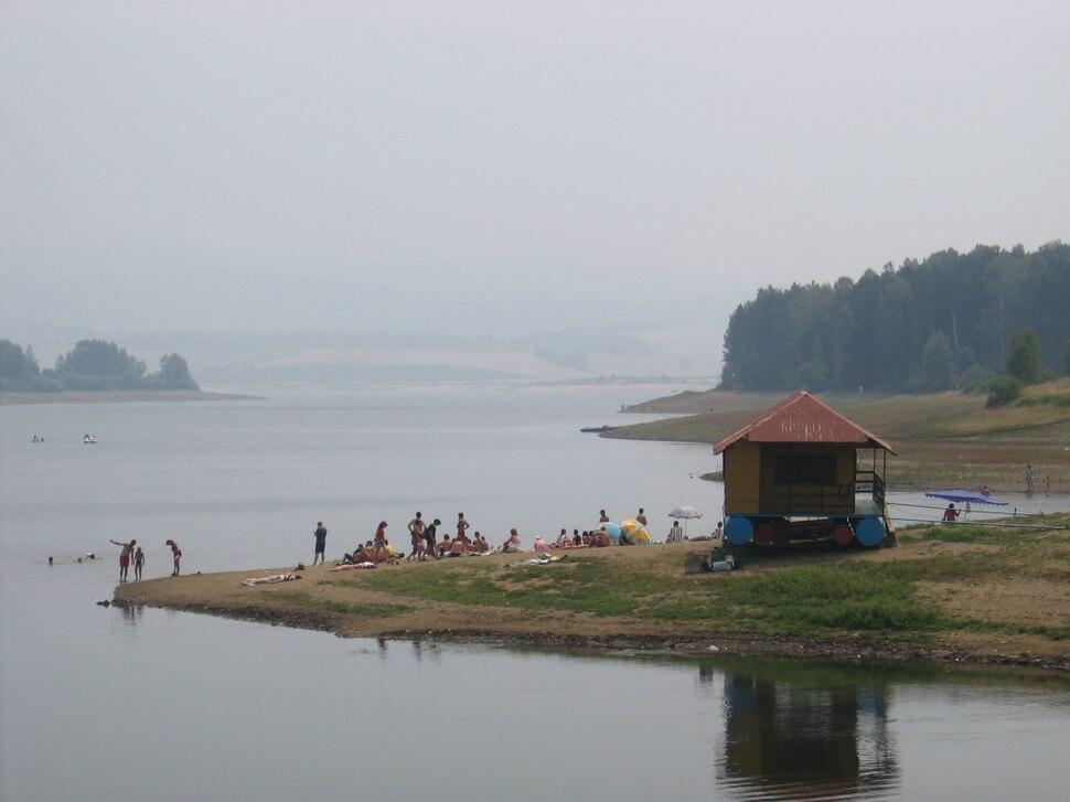 Vlasinsko jezero leti