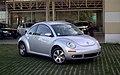 Volkswagen New Beetle 2007 (34165891876).jpg