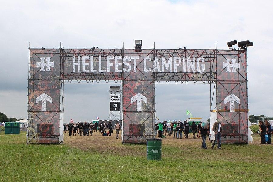 L'entrée du camping, Hellfest 2013, Fr-44-Clisson.