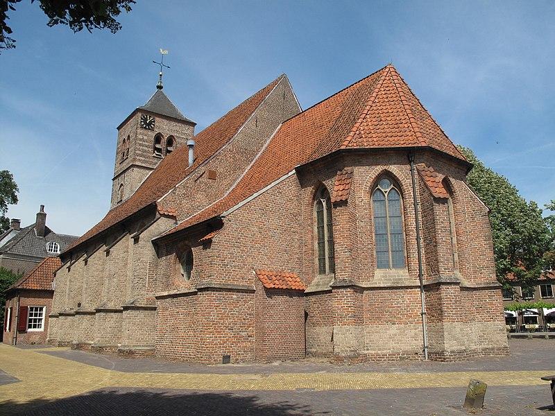 File:Warnsveld, kerk foto10 2010-07-20 12.07.JPG