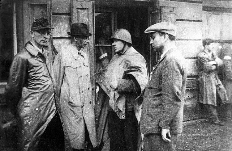 Warsaw Uprising Gen Bor-Komorowski, Col.Radoslaw-Mazurkiewicz
