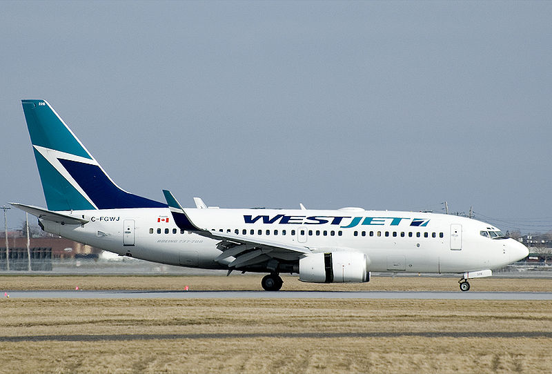 File:WestJet 737-700 at YUL.jpeg